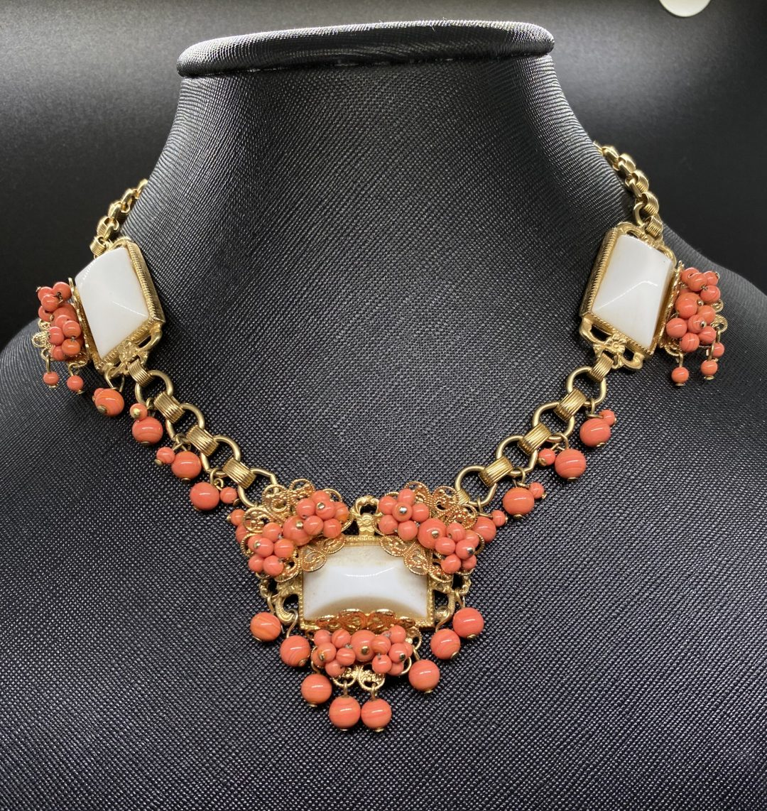 Front view Vintage Coral Bead Bib Necklace on neck form